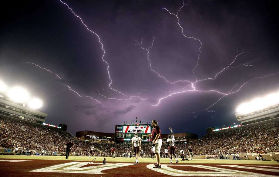 lightning strike occurs as Texas State 2015