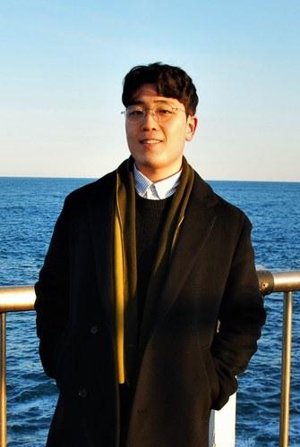 Dong Wan (Lewis) Kim